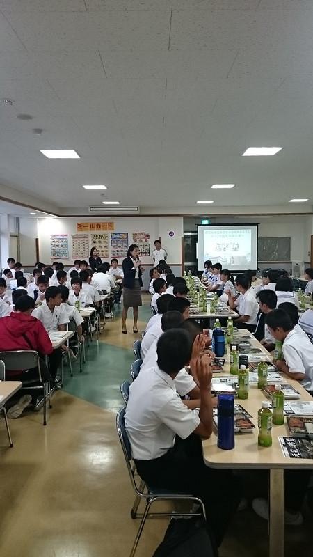 修学旅行2日目(昼食in西南学院大学)